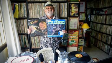 El Profesor de la Salsa, entre los números y la música