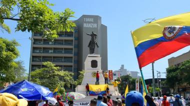Por el 20 de Julio, movimientos sociales y sindicales realizaron plantón en el Paseo Bolívar