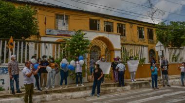 Comunidad estudiantil del Camilo Torres rechaza traslado a otra sede