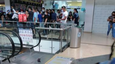 Fletero se disfrazó de policía para robar $63 millones en centro comercial de Soledad