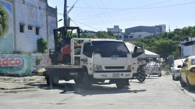 Amordazan a guarda de seguridad para robarse un montacargas en Lucero