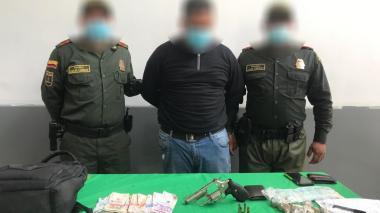 Presuntos ladrones hieren a bala a un domiciliario para robarle $15 millones