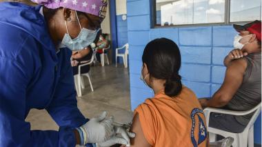 Así funcionará el nuevo pasaporte digital de vacunación en Colombia