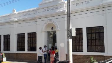 Padres se 'toman' Secretaría de Educación por problemas de saneamiento básico en La Guajira