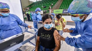¿Por qué no hay primeras dosis en Colombia?