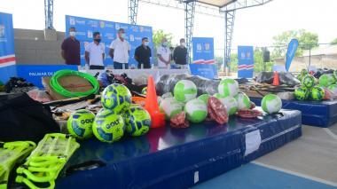 Municipios del Atlántico reciben implementación deportiva