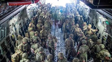 El Pentágono envía 1.000 soldados más a Kabul tras la caída del Gobierno