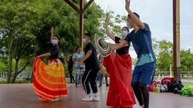 EDA y Casas Distritales de Cultura hacen presencia en la Feria de las Flores