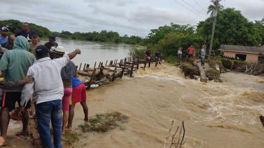 Emergencia en varias regiones de la Costa por inundaciones