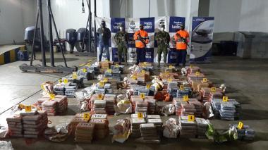 Hallan 755 kilos de cocaína escondidos en una zona de manglar de Córdoba