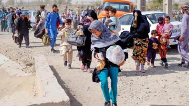 Talibanes permitirán a afganos evacuar después del 31 de agosto