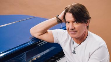 El pianista Arthur Hanlon estrena un álbum con voces femeninas latinas
