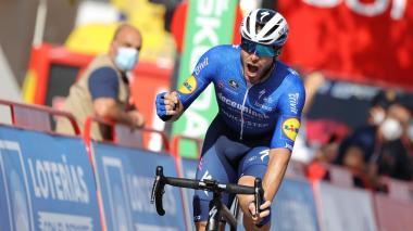 El francés Florian Sénéchal se impone al esprint en Villanueva de la Serena