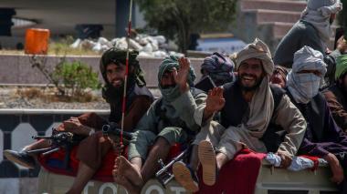 Talibanes planean un Gobierno interino con todas las etnias, según Al Yazira