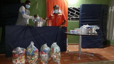 Entregan ayudas a damnificados por el invierno en Santa Marta