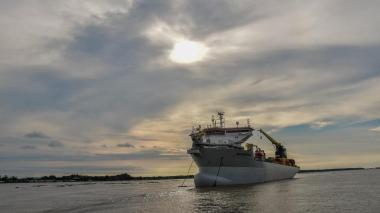 Draga Bartolomeu Días comienza labores de dragado en el canal de acceso a la Zona Portuaria de Barranquilla