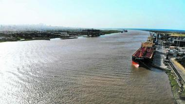 Calado operacional sube a 7.6 metros en el canal de acceso