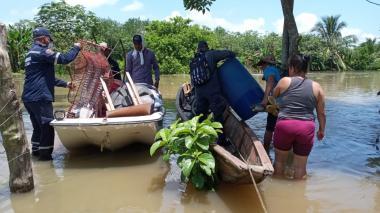 Envían ayudas y maquinaria para damnificados en Ayapel