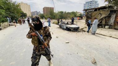 Varias explosiones golpean la ciudad de Kabul en la víspera de la retirada