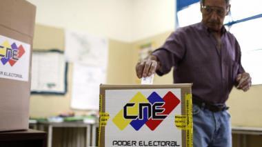 CNE de Venezuela da un día más para inscribir candidatos