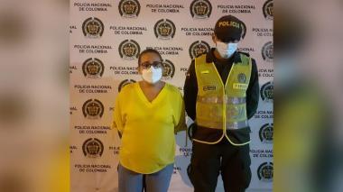 Capturan a mujer que intentó suplantar identidad y robar títulos valores en Maicao