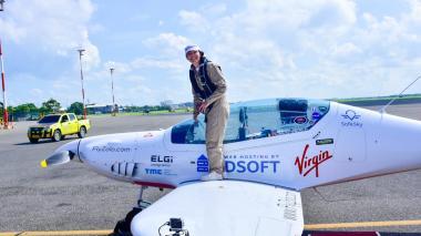 Así fue la llegada de la aviadora Zara Rutherford a Barranquilla