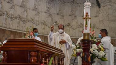 Los padres de la Arquidiócesis de Barranquilla que la covid se llevó