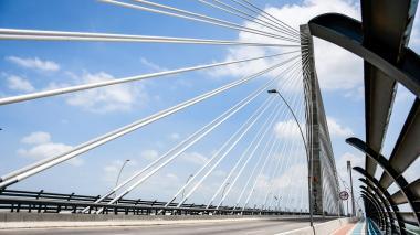 Millonaria reclamación de Sacyr por obras del puente Pumarejo