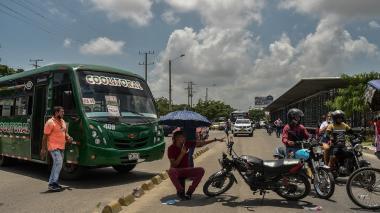 Conductores de buses, en paro este lunes en Barranquilla