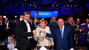 Armin Laschet recibe el espaldarazo de Merkel