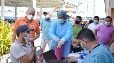 Ante aumento moderado de casos de covid piden a samarios cuidarse