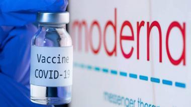 Llegaron diez mil dosis de vacunas de Moderna a Sucre