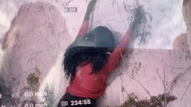 Bomberos intentan rescatar a mujer de un acantilado y resulta ser un maniquí