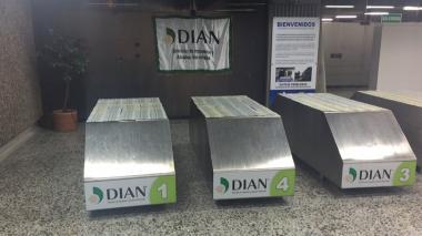 En imágenes: DIAN incauta  209 mil dólares en el aeropuerto de Barranquilla