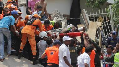 Las imágenes del desplome de un edificio en Cartagena que deja cinco muertos
