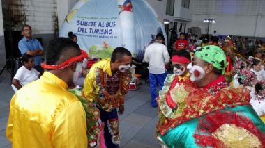 Carnaval de Barranquilla se prepara para despedir al Papa