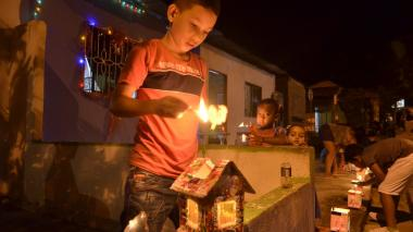 Fraoles y velitas iluminaron la noche en Sincelejo