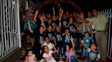 Así celebró la familia Santrich el triunfo de Jair en 'A Otro Nivel'