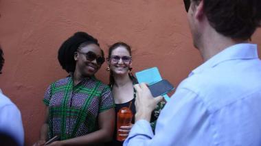 Chimamanda Ngozi recorre el Centro Amurallado