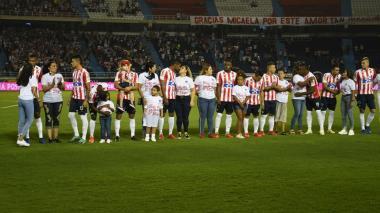 Junior conmemoró el Día Internacional de la Mujer en juego ante Bucaramanga
