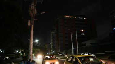 Quejas de vecinos del barrio El Golf por ocho horas sin luz