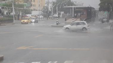 Ciudadanos reportan fuertes lluvias en varios sectores de Barranquilla