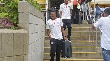 En imágenes | Junior llega a Barranquilla en medio de aguacero tras empatar con Huila