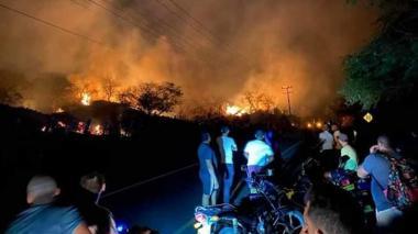 Imágenes que dejó el fuerte incendio forestal cerca a Juan de Acosta