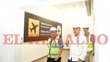 Presidente Duque inspecciona las obras del aeropuerto Ernesto Cortissoz