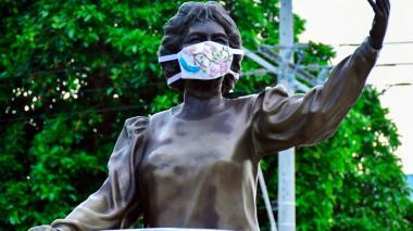Los monumentos de Barranquilla también portan tapabocas