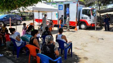 Habitantes de Tasajera reciben ayudas de colectivos barranquilleros