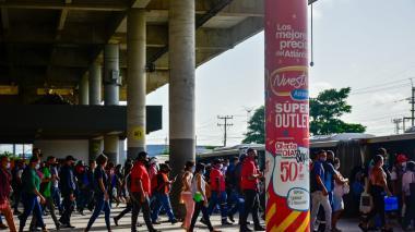 Transmetro atiende aumento de pasajeros en nueva etapa de aislamiento