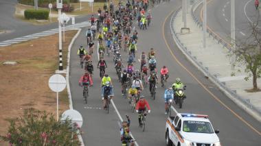 Gremio de ciclistas exigen mayor seguridad al pedalear