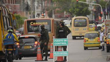 Policía refuerza controles en calles de Barranquilla por toque de queda